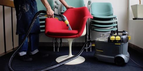 椅子のクリーニング