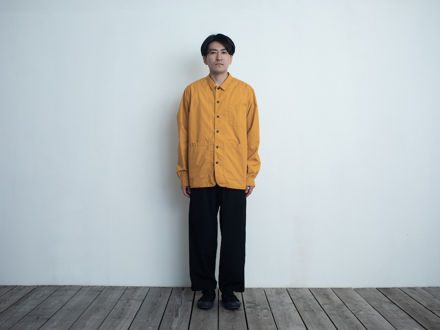 d 202 BACK POCKET SHIRT・マスタード