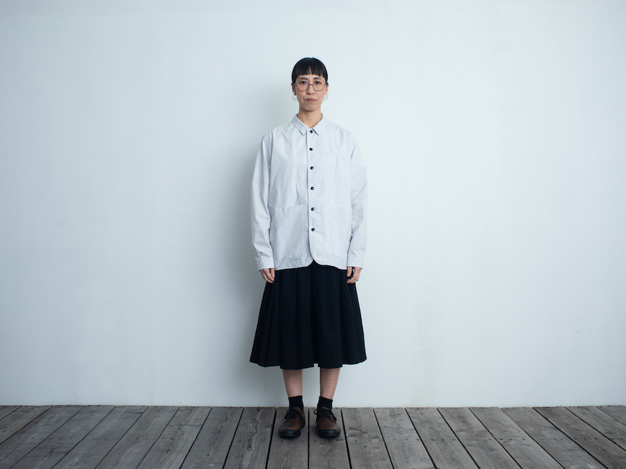 d 202BACK POCKET SHIRT・アイスブルー