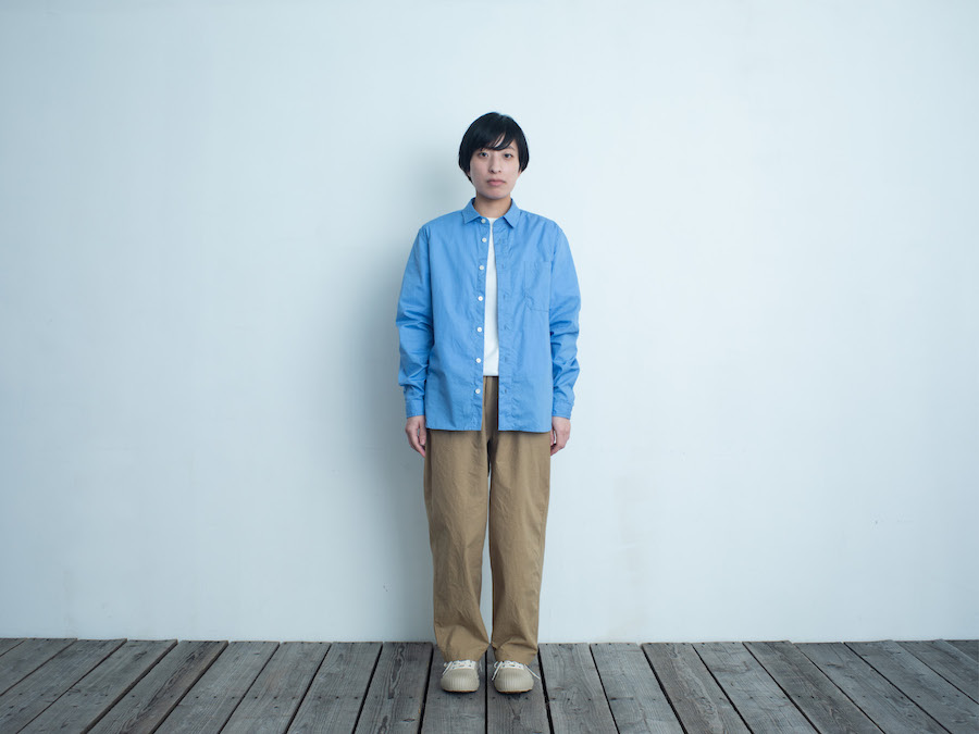 d 205 REGULAR SHIRT ブルー