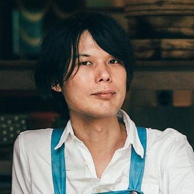 小倉ヒラクさんに聞く  野生の力で醸す青ヶ島の焼酎 「青酎・あおちゅう」の魅力