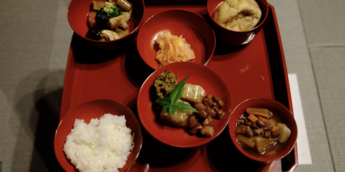 暦と暮らす呉西の食「報恩講料理」